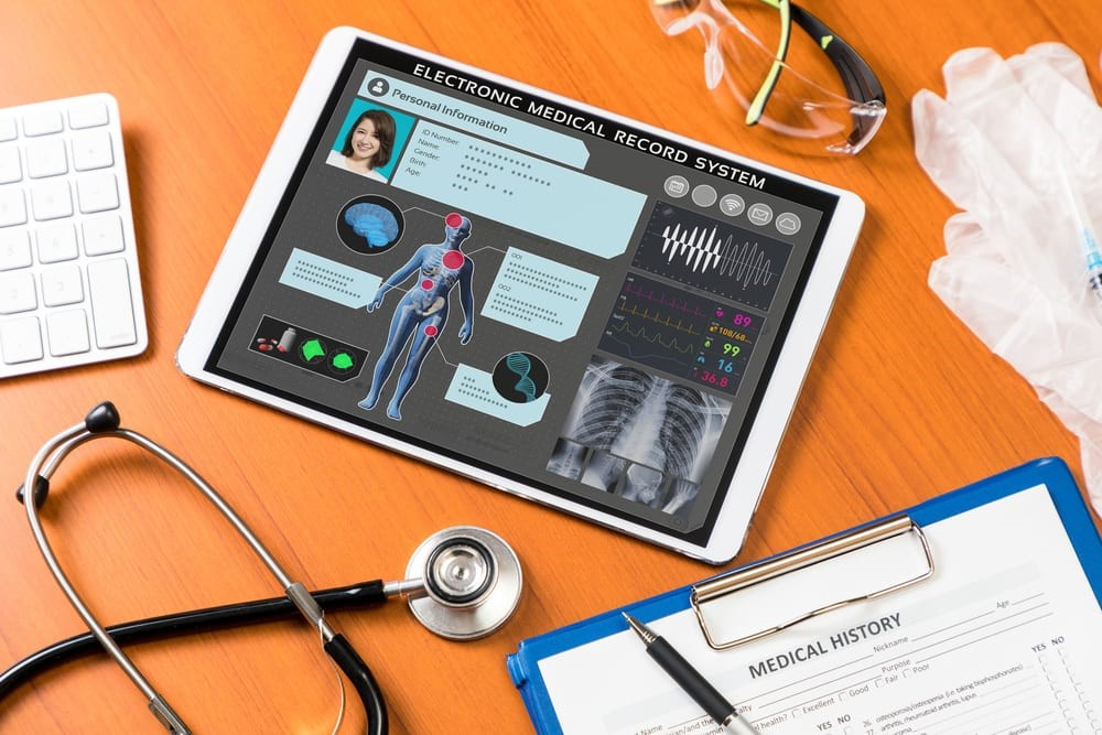 نرم افزار مدیریت مطب سلاک طب چه مزایایی دارد